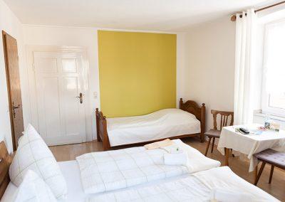 Dreibettzimmer (ca. 16 m²) - Bild 2